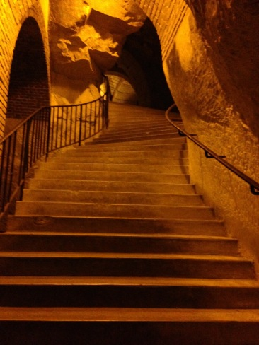 Exploring 1,800 year old caves built by the Romans in Riems, France